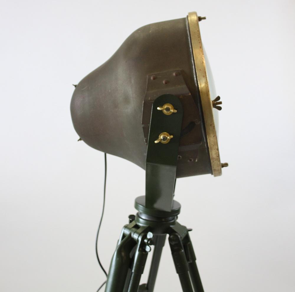 Industriele vloerlamp op statief zijwaarts 2 for Industriele vloerlamp