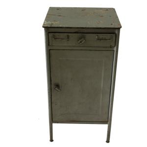 Vintage metalen kastje NK5 schuin